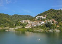 Lake of the Salto, to the discovery of Fiamignano, Petrella and Borgo San Pietro