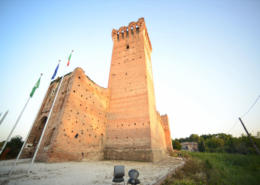 Erected by the Scaligeri, it was wisely exploited by the Gonzaga. It has eight hundred years of history behind it, and yet it is only publicly visible since 2013