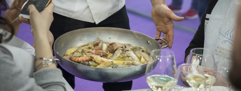 """Tipicità Fino all'8 dicembre a Fermo,il """"Festival del bello e del buono"""", tra fisico e digitale"""