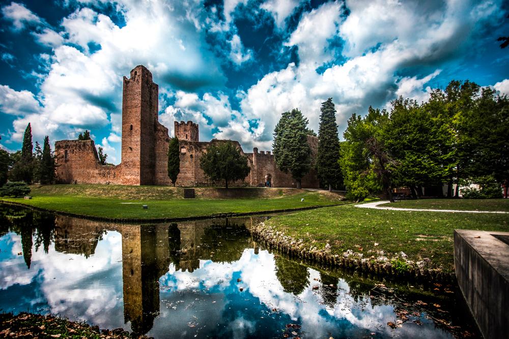 A passeggio per Noale La visita a Noale, storica cittadina posta al crocevia tra le province di Venezia, Treviso e Padova,