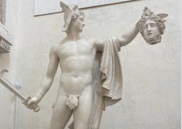 Canova, sculture e imprenditore di Possagno Siamo nell'est del Veneto. A Possagno. Un paese piccolino. Ordinato. Grazioso.